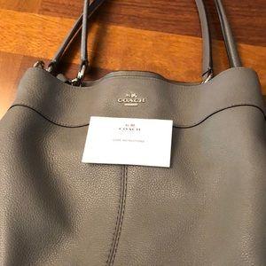 FINAL MARKDOWN !! LIKE NEW COACH handbag!
